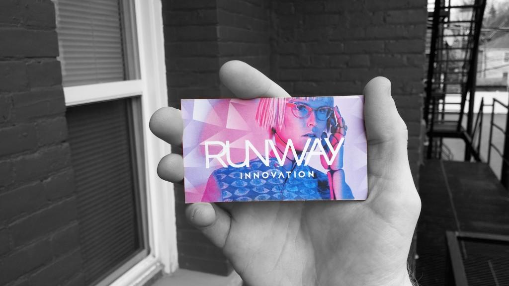 runwaycard-bw
